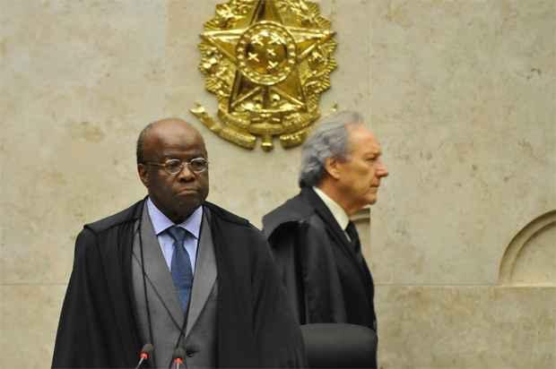 Lewandowski (D) ficar� na presid�ncia da corte at� o retorno do presidente Joaquim Barbosa, que est� em f�rias. Foto: Jos� Cruz/ABr