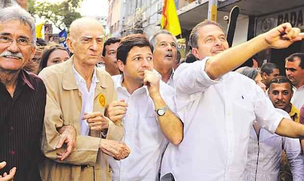 ...Luciano Siqueira anda ao lado dos socialistas no estado, como na elei��o de 2012.
