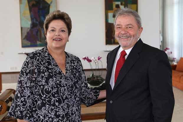 A presidenta Dilma Rousseff e o ex-presidente Luiz In�cio Lula da Silva em encontro nesta segunda-feira a tarde no Pal�cio da Alvorada. Foto:Ricardo Stuckert/Instituto Lula
