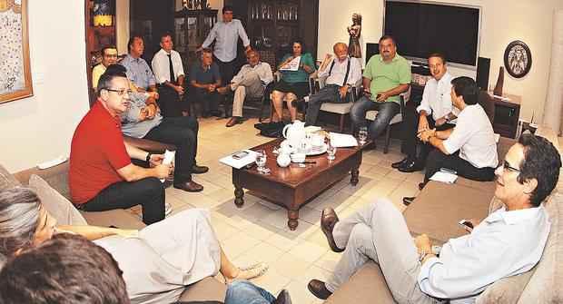 Eduardo reuniu lideran�as nacionais para discuss�o sobre a conjuntura nacional do partido foto: Roberto Pereira/PSB/divulga��o ( Roberto Pereira/PSB/divulga��o)