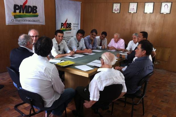 Peemedebistas se re�nem para definir Jarbas Vasconcelos como interlocutor do partido. Foto: Assessoria do PMDB