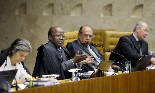 Barbosa afirmou, durante viagem oficial a Paris, que, se estivesse como substituto na Presid�ncia do STF, jamais deixaria de ter decretado a pris�o do parlamentar foto: Felipe Sampaio/STF (Felipe Sampaio/STF)