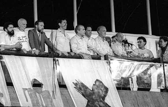 Veja abaixo quem foram os personagens hist�ricos que est�o na foto, da esquerda para direita. Foto: Ant�nio Carlos Piccino / Ag�ncia O Globo