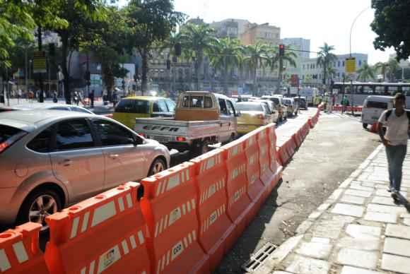 Interdi��o do Elevado da Perimetral provoca lentid�o em vias do centro da cidade (Tomaz Silva/Ag�ncia Brasil )