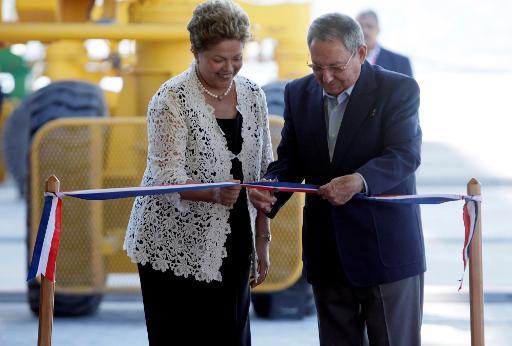 Dilma Rousseff inaugura porto de Mariel ao lado de Ra�l Castro, em 27 de janeiro de 2014. Foto: www.cubadebate.cu/AFP Photo
