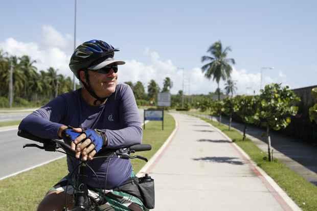 O dentista e praticante do ciclismo João Cajueiro destaca a segurança do local. Foto: Blenda Souto Maior/DP/D.A Press