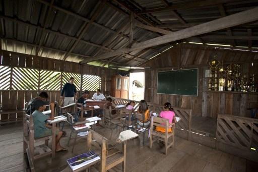 Sala de aula na Amaz�nia. Foto: AFP