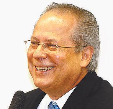 Dirceu espera decis�o para trabalhar em escrit�rio foto: Daniel Ferreira/CB (Daniel Ferreira/CB)