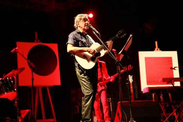 O cantor voltou a apoiar as manifestações dos brasileiros. Foto: Paloma Amorim/Divulgação