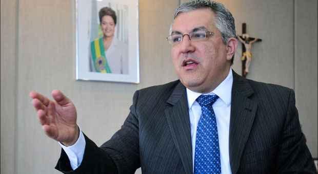 Padilha afirmou que o conv�nio com a ONG de seu pai ser� cancelado foto: Ed Alves/CB/D.A Press (Ed Alves/CB/D.A Press)