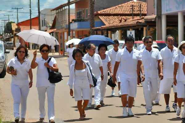 Visitantes de todo o mundo aportam no interior de Goi�s em busca de cura. Foto: Marcelo Ferreira/CB/D.A. Press