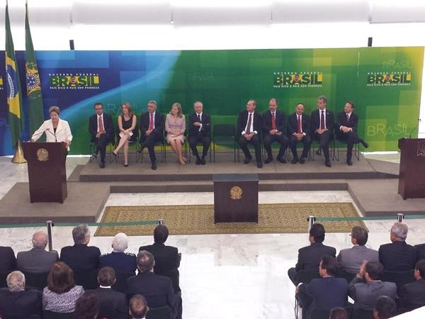 Dilma disse que vai precisar de todo o talento do novo ministro da pasta, Mercadante, para assumir a chefia dos programas de uma pasta que que ela considera