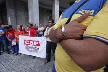 Sindicato da categoria alega que ades�o ao movimento � de 90% em Pernambuco. Foto: Ricardo Fernandes/DP/D.A Press