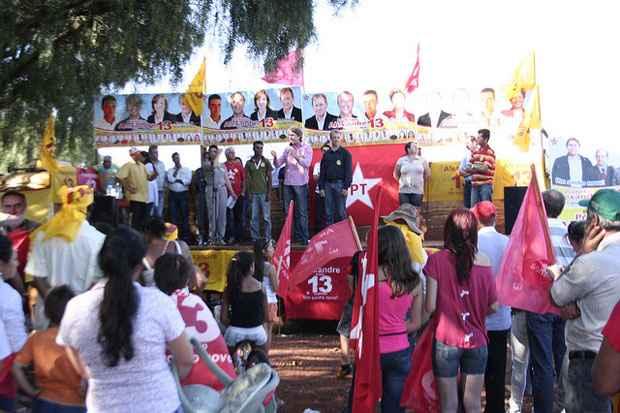 Campanha de Zeca Dirceu em 2012. Foto: Divulga��o