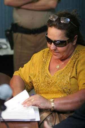 Ap�s cumprir 10 dos 15 anos de pena, metade em regime fechado, ela mora com Roberta Jamilly, em Goi�nia. Foto: Monique Renne/CB/D.A Press