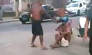 Assassinato ocorreu em plena luz do dia, na Baixada Fluminense foto: Reprodu��o/YouTube (Reprodu��o/YouTube)