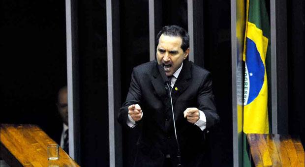 Donadon se defende na sess�o de agosto em que escapou de ser cassado foto: Carlos Moura/CB/D.A Press (Carlos Moura/CB/D.A Press)