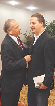 Inoc�ncio e Eduardo se encontraram ontem pela manh� foto: Nando Chiappetta DP/D.A PRESS (Nando Chiappetta DP/D.A PRESS)
