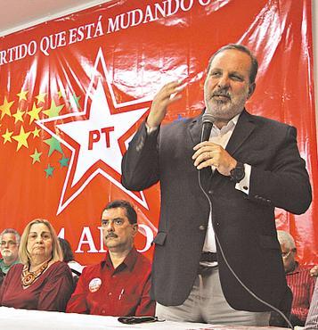 Monteiro circulou tranquilamente entre os petistas foto: Roberto Ramos/DP/D.A PRESS (Roberto Ramos/DP/D.A PRESS)