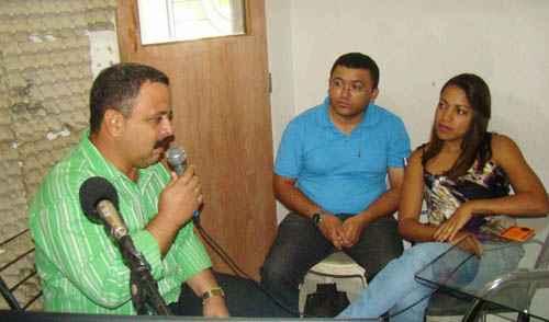 Herrera (E), escalado para trabalhar em Bel�m de S�o Francisco, deixou o cargo h� um m�s e est� desaparecido foto: Reprodu��o/Internet   (Reprodu��o/Internet )
