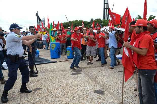 Cerca de 15 mil pessoas do movimento tomaram as ruas de Bras�lia ontem. Foto: Fabio Rodrigues Pozzebom/Ag�ncia Brasil