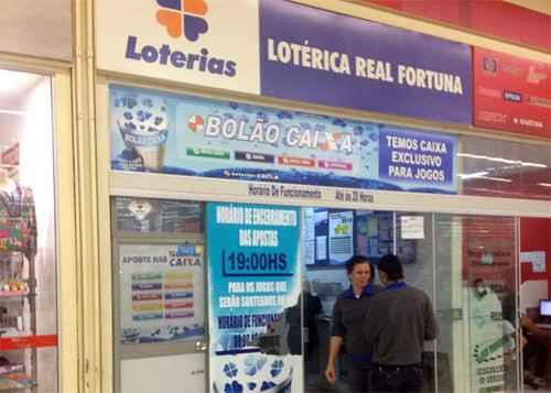 Lot�rica em um supermercado de Ceil�ndia, onde foi feita a aposta premiada na Quina: seis ganhadores. Fotos: Thalita Lins/CB/D.A. Press