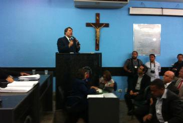 Presen�a do prefeito Renildo Calheiros (PCdoB) gerou protestos na C�mara. Foto: T�rcio Amaral/DP/D.A Press (T�rcio Amaral/DP/D.A Press)
