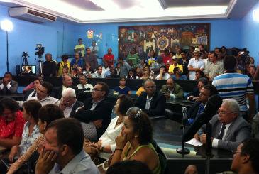 Galerias da C�mara de Olinda lotadas para o retorno das atividades dos vereadores. Foto: T�rcio Amaral/DP/D.A Press (T�rcio Amaral/DP/D.A Press)