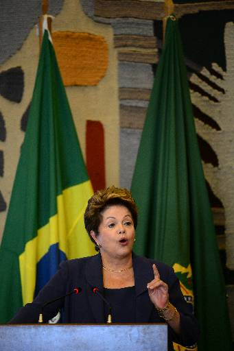 Dilma afirmou que o governo trabalha numa proposta de legisla��o que co�ba toda forma de viol�ncia durante os protestos de rua foto: Ronaldo de Oliveira/CB/D.A Press (Ronaldo de Oliveira/CB/D.A Press)