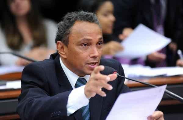 O petista Sib� Machado afirma que trabalhar� contra a aprova��o da PEC durante a vota��o foto: Lucio Bernardo Jr./ C�mara dos Deputados (Lucio Bernardo Jr./ C�mara dos Deputados)