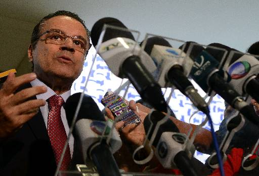 %u201CFa�o quest�o de destacar a sua seriedade, honradez e conduta como deputado%u201D, acrescentou o presidente da C�mara, Henrique Eduardo Alves (PMDB-EN) foto: Antonio Cruz/Agencia Brasil (Antonio Cruz/Agencia Brasil)