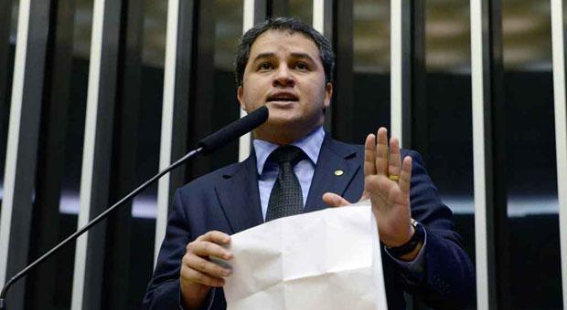 Deputado Efraim Filho: substitutivo mais
