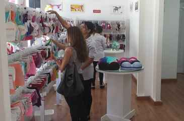 Outlet Lingerie recebe pe�as de cole��es das marcas e as vende com descontos entre 30% e 70%. Foto: Divulga��o