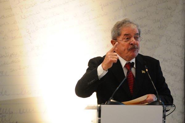 Lula tem recha�ado as investidas pela disputa de um terceiro mandato, mas conta com a torcida de petistas e peemedebistas. Foto: Iano Andrade/CB/D.A Press/Arquivo