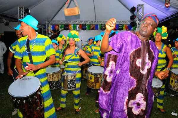 Representantes de 25 pa�ses ca�ram no samba no evento Grito Internacional de Carnaval, na Embaixada da Nig�ria. Foto: Janine Moraes/CB/D.A Pres (Janine Moraes/CB/D.A Pres)