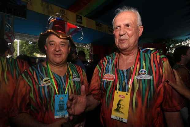 O senador Jarbas Vasconcelos, ao lado do deputado federal Augusto Coutinho, disse que que ir� se engajar na campanha de Paulo C�mara ap�s o carnaval. Foto: Teresa Maia/Dp/D.A Press  (Teresa Maia/Dp/D.A Press)