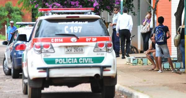 O crime ocorreu ap�s a dupla se desentender na porta do col�gio. Foto: Marcelo Ferreira/CB/D.A Press
