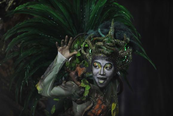 A Imp�rio da Tijuca mostrou o enredo Batuk e esquentou o p�blico com o ritmo forte de tradi��es africanas. Foto: Fernando Fraz�o/Ag�ncia Brasil (Fernando Fraz�o/Ag�ncia Brasil )