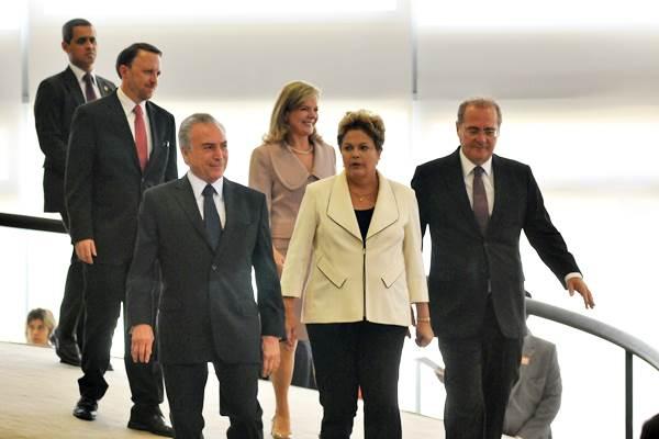 Dilma Rousseff e Michel Temer conversaram antes do feriado sobre a nova geografia partid�ria da Esplanada, que interfere na alian�a entre PT e PMDB. Foto: Breno Fortes/CB/D.A Press    (Breno Fortes/CB/D.A Press   )
