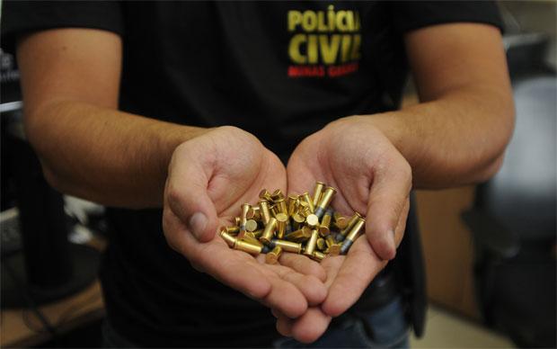 Muni��o apreendida com menor de 17 anos que atirou em foli�es em Ouro Preto. Foto: Tulio Santos/EM/D.A Press