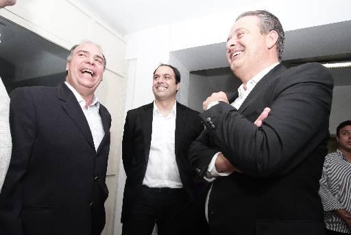 Eduardo Campos acompanhar� a agenda da chapa majorit�ria do PSB, comandada por Paulo C�mara, neste fim de semana. Foto: Alcione Ferreira/DP/D.A Press  (Alcione Ferreira/DP/D.A Press )