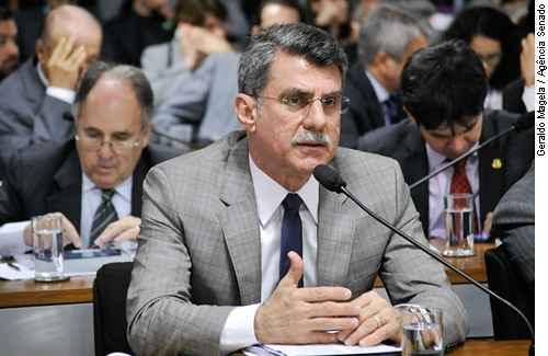 Romero Juc�,relator, apresentou voto contra o fim do mandato vital�cio de ministros do STF. Foto: Geraldo Magela/Ag�ncia Senado (Geraldo Magela/Ag�ncia Senado)
