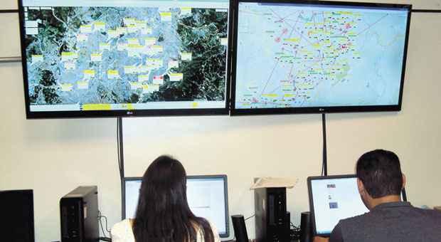 Central de Monitora��o de Tornozeleira Eletr�nica da Secretaria de Estado de Defesa Social acompanha detentos e detecta qualquer irregularidade, como rompimento do dispositivo. Foto: SEDS/DIVULGA��O  (SEDS/DIVULGA��O)