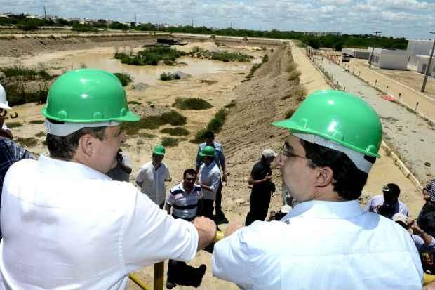 Governador esteve conferindo obras do estado em Petrolina. Foto: Aluisio Moreira/SEI