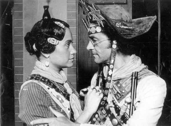 Tânia Alves e Nelson Xavier em filme de 1982 - Foto: Agência O Globo (Agência O Globo)