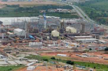 Relat�rio da gestora Antares Capital estima perdas de R$ 40 bilh�es para a Petrobras com a Refinaria Abreu e Lima (foto) e o Comperj, em Itabora� (RJ). Foto: Teresa Maia/DP/D.A Press
