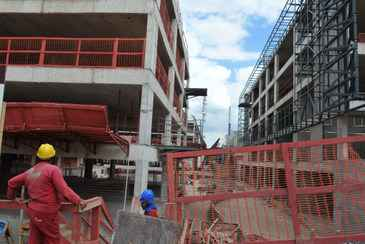 Somente na constru��o civil houve o corte de 6 mil vagas no m�s passado, segundo a pesquisa. Foto: Daniel Alves/CB/D.A Press