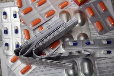 De acordo com o texto, a regula��o � v�lida para um universo de mais de 9 mil medicamentos. Foto: Gustavo Moreno/CB/D.A Press