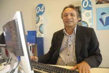 Valdir Cavalcanti orienta que o financiamento banc�rio deve ser adquirido quando o empres�rio quer fazer um investimento Foto: Eduarda Bione/Esp.DP/D.A Press