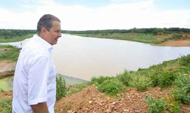 Governador em visita ao munic�pio de Dormentes (Eduardo Braga/SEI)